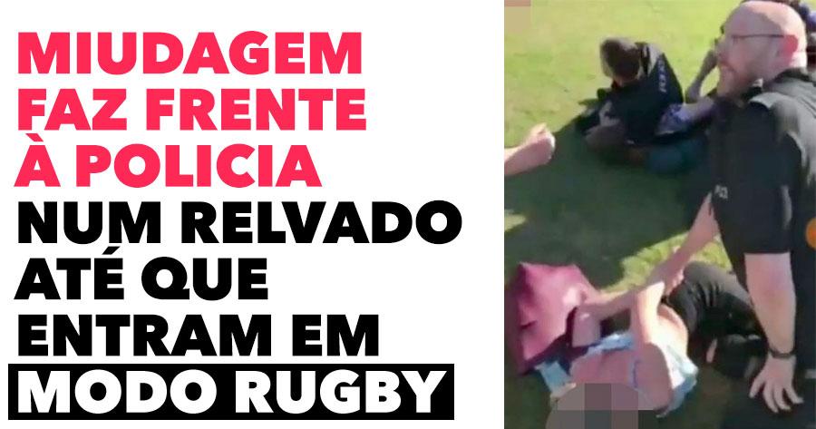 """Miudagem faz frente à polícia num relvado.. até que entram em modo """"rugby"""""""