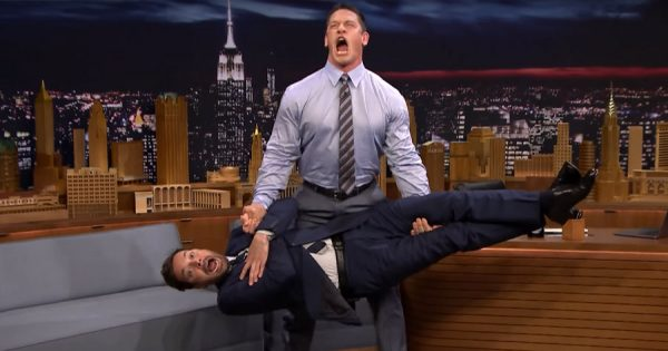 JIMMY FALLON levita no seu programa